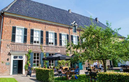 Kasteel Café Heeren Dubbel Terras
