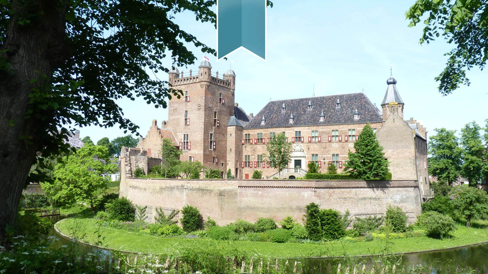 Welcome to Huis Bergh Castle