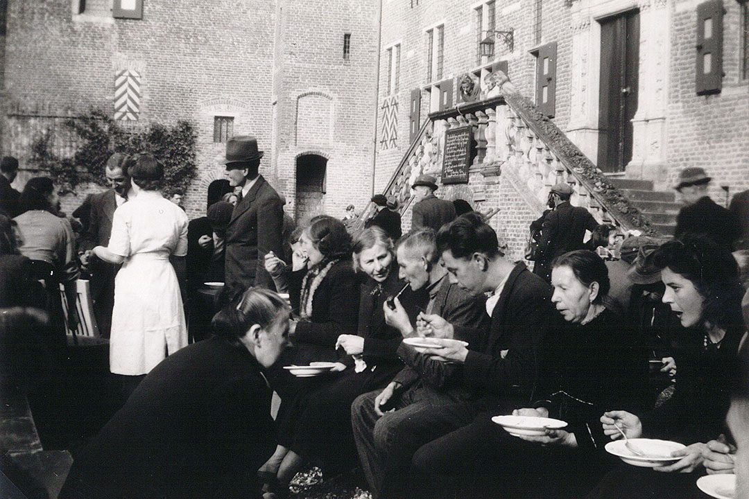 Evacuées op Huis Bergh 1944